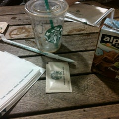 Photo taken at Starbucks by Aret G. on 9/16/2012