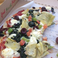 Photo taken at Deano's Gourmet Pizza by Rosa N. on 11/24/2012