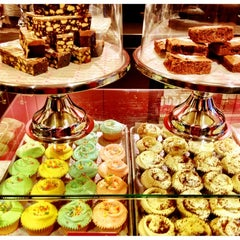 Photo taken at The Hummingbird Bakery by Clémence S. on 1/1/2013