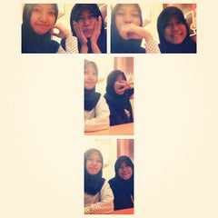 Photo taken at A&W by Ria M. on 10/1/2013