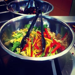 Photo taken at Day Light Salads by Gi on 10/5/2012