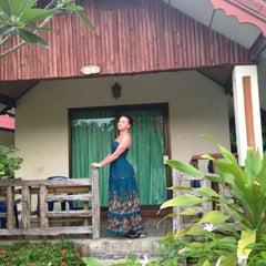 Photo taken at Kai Bae Hut Resort by Kseniya O. on 3/30/2013