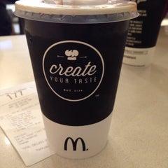 Photo taken at McDonald's by Viwern on 7/20/2015