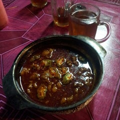 Photo taken at Asam Pedas Claypot by Mohd Fazy Abdullah B. on 3/11/2013