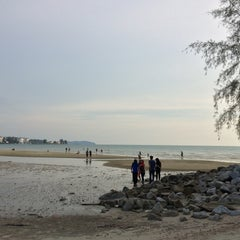 Photo taken at Pantai Cahaya Negeri, PD by Rizuwan M. on 1/31/2016