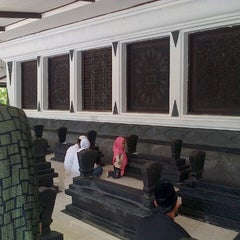 Photo taken at Makam Sunan Kalijaga by afrida y. on 11/11/2012