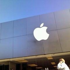 Photo taken at Apple Store, Suburban Square by Mike F. on 10/16/2012