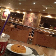 Photo taken at The Coffee Bean & Tea Leaf by sincere kate on 12/29/2012