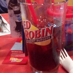 Photo taken at Red Robin Gourmet Burgers by Tina L. on 10/19/2012