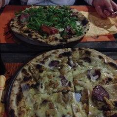 Photo taken at Pizzeria Bandy by Altrovista on 9/12/2015