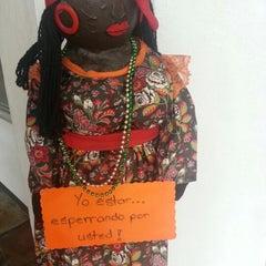 Photo taken at Guilligans Caribbean Food by Varo B. on 10/24/2012