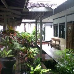 Photo taken at Pengadilan Negeri Tangerang by fazriyanih a. on 1/9/2013