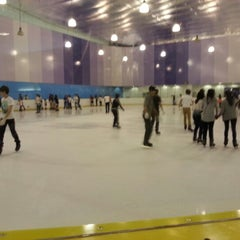 Photo taken at Kallang Ice World by Valarazzi on 10/13/2012