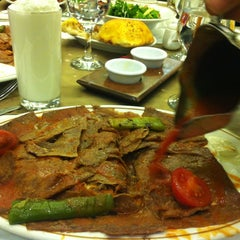 Photo taken at Elmacıoğlu İskender by Zehra C. on 3/16/2013