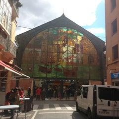 Photo taken at Mercado de Atarazanas by Victor G. on 2/23/2013