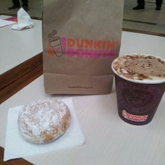 Photo taken at Dunkin' Donuts by Francisco E. on 10/4/2012