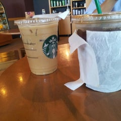 Photo taken at Starbucks by Freddy Y. on 9/18/2012