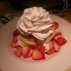 Photo taken at The Cheesecake Factory by Marie N. on 3/10/2013