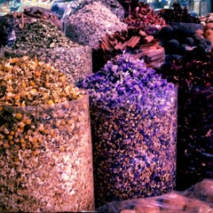 Photo taken at Spice Souq سوق البهارات by reshooom on 10/18/2012