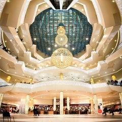 Photo taken at ТРЦ «Галерея» / Galeria Shopping Mall by ✨✨💝Nastas'ya💝✨✨ on 10/8/2012
