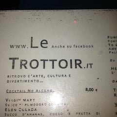Photo taken at Le Trottoir by Gianni M. on 1/13/2013