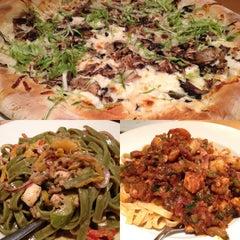 Photo taken at California Pizza Kitchen by SiLan on 9/22/2013