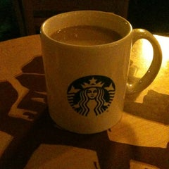 Photo taken at Starbucks by Daniel Yair T. on 1/20/2013