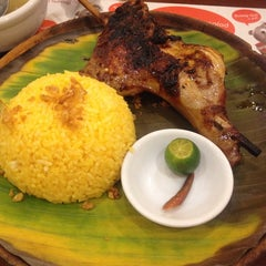 Photo taken at Bacolod Chicken Inasal by Natalie T. on 8/28/2014
