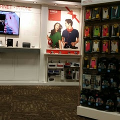 Photo taken at Verizon by Juan J. P. on 11/7/2014