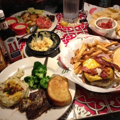 Photo taken at Chili's Grill & Bar by Jennifer S. on 5/8/2013