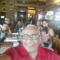Photo taken at Ruby Tuesday by Domingo T. on 7/19/2015