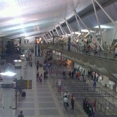 Photo taken at Aeroporto Internacional de Belém (BEL) by Adm Wellington Q. on 6/13/2013