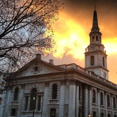 Photo taken at St Martin-in-the-Fields by Mustafa O. on 2/14/2013