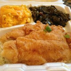 Photo taken at Carolina Kitchen by Deatrice S. B. on 7/28/2013