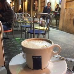 Photo taken at Cambridge Caffè by Fawaz A. on 11/20/2014