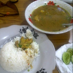 Photo taken at Soto Madura Cak Udin by danny d. on 10/6/2012