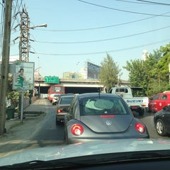 Photo taken at ทางพิเศษศรีรัช ส่วน A (Si Rat Expressway Sector A) by Atip P. on 12/21/2013