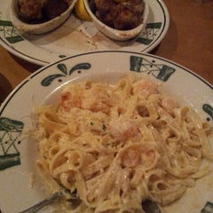 Photo taken at Olive Garden by Becky S. on 10/20/2012
