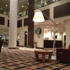 Photo taken at Hilton Meadowlands by Ricardo C. on 12/3/2012
