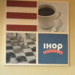 Photo taken at IHOP by Laura C. on 11/22/2012