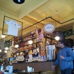 Photo taken at Assembléia Bar by Guilherme G. on 10/13/2012