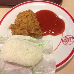 Photo taken at KFC by pipit p. on 10/15/2014