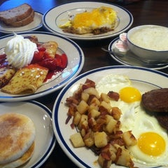 Photo taken at Bob Evans Restaurant by Caique V. on 6/29/2013