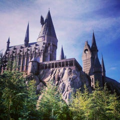 Photo taken at The Wizarding World Of Harry Potter - Hogsmeade by Jim O. on 1/16/2013