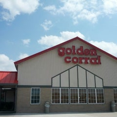 Photo taken at Golden Corral by Mrs. If U didnt know R. on 10/4/2012