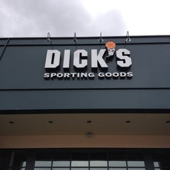 Photo taken at Dick's Sporting Goods by Harjit on 4/14/2013