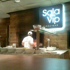 Photo taken at Sala Vip Pizza Bar by Marco C. on 2/18/2013