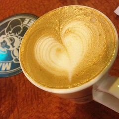 Photo taken at Mr. Brown Coffee 美麗華店 by Naomi on 3/21/2013