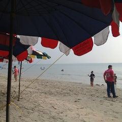 Photo taken at หาดบางแสน (Bang Saen Beach) by AKSRA p. on 1/16/2013