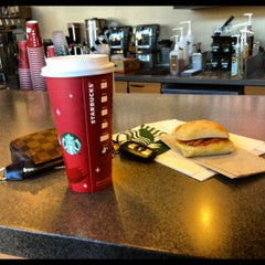 Photo taken at Starbucks by Hershey F. on 11/22/2012